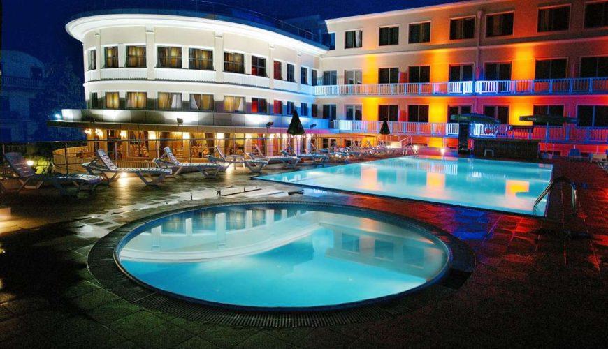 Intourist Palace Hotel