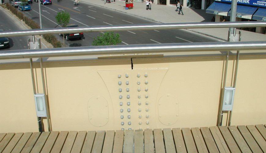 Konak Meydanı Çelik Yaya Üst Geçit Köprüsü